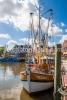 Krabbenkutter Lulu Meinders im Hafen Neuharlingersiel